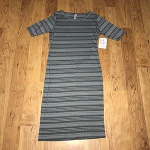 {LuLaRoe}Gray and Black Stripe Julia Dress size S